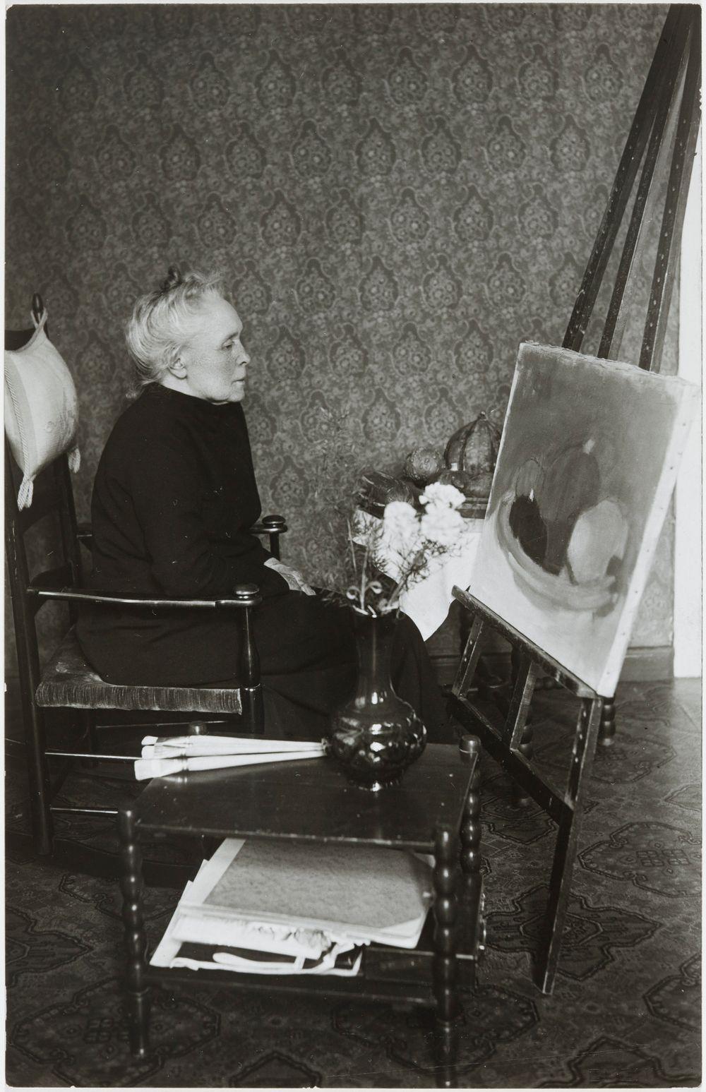Helene Schjerfbeck kotonaan Tammisaaressa