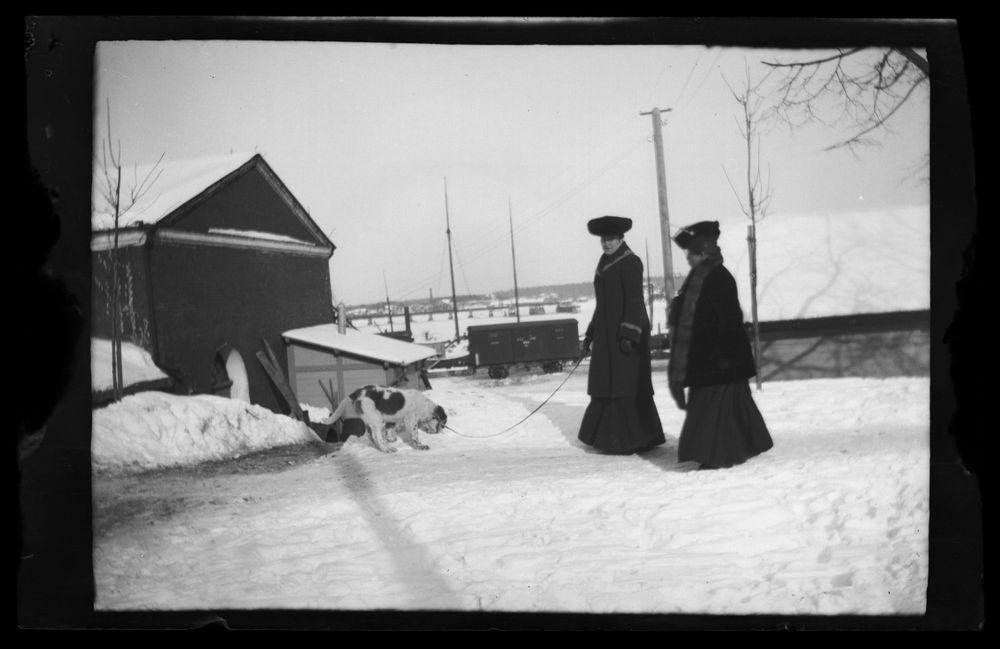Blenda Simberg, toinen nainen ja Sarto Viipurin satamassa