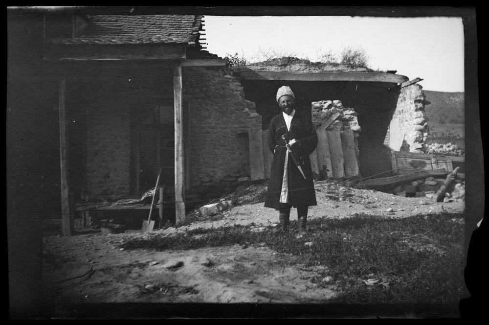 Bulatš Muhamedan tataarikylässä, Muhamedan oli Hugo Simbergin opas Dagestanissa