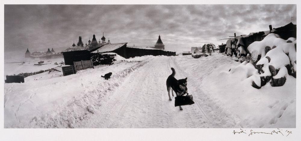 Sarjasta Venäjän tie: Laukkua kantava koira, Burjatia