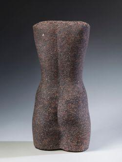 Naisen torso