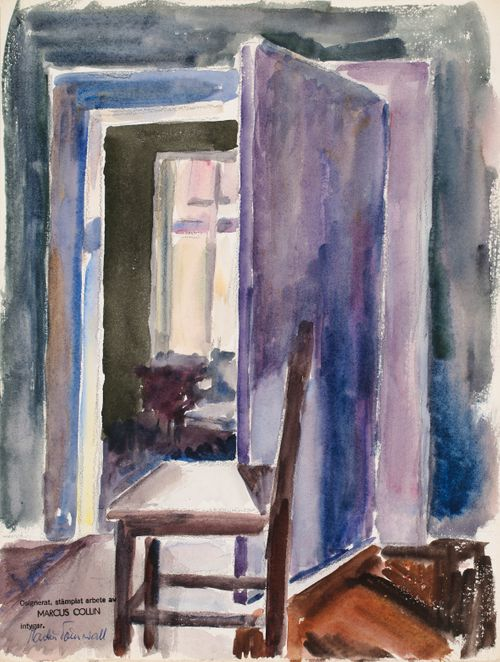 Sisäkuva, violetti ovi