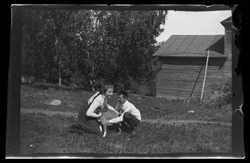 Elsa ja Guido Simberg sekä Balu