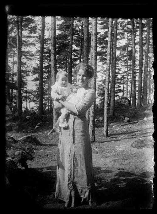 Tom ja Anni Simberg Selkärannassa