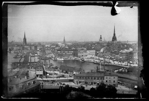 Kaupunkinäkymä Tukholmasta, vasemmalla Slussen, oikealla Gamla Stan