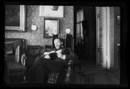 Hugo Simberg isänsä Niclas Simbergin kodissa Viipurissa