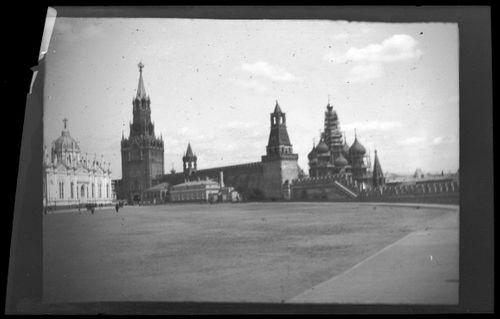 Punainen tori Moskovassa, Kremlin muuri, Pyhän Basileuksen katedraali ja Spasskaja-torni