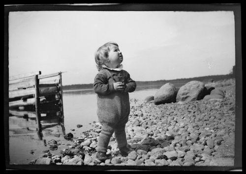 Tom Simberg Selkärannan rantakivikolla