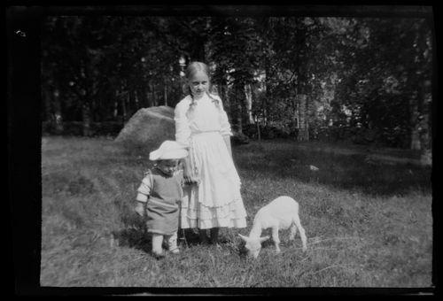 Tom Simberg, lastenhoitaja ja Bunka