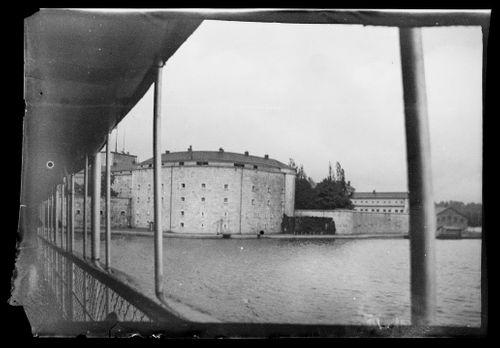 Laivan kansi ja Vaxholmin linnoitus