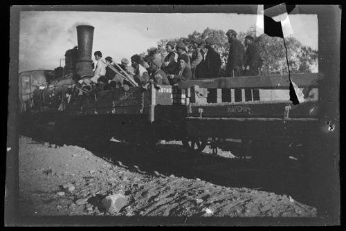 Radanrakentajia Trans-Kaukasian rautatiellä