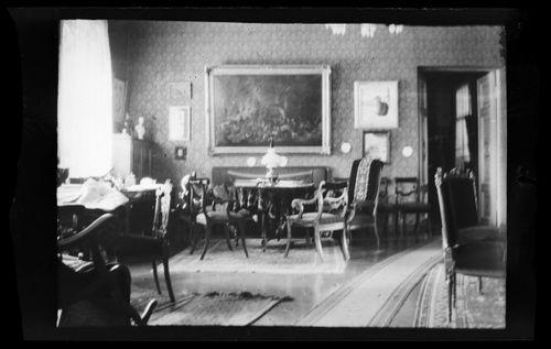 Niclas Simbergin koti Viipurissa, näkymä salista