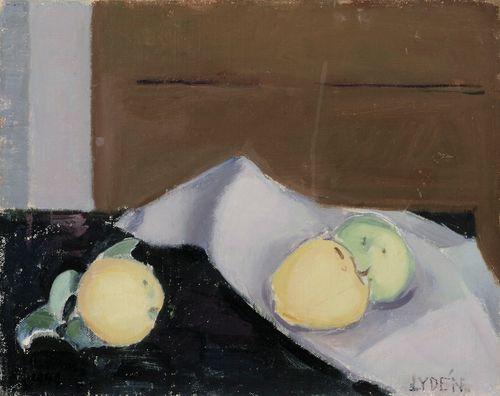 Kolme omenaa