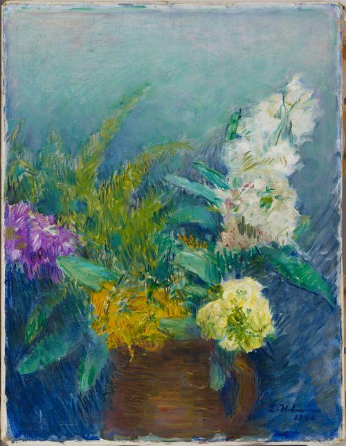 Kukkia ruskeassa kannussa