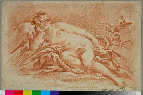 Loikoileva alaston nainen