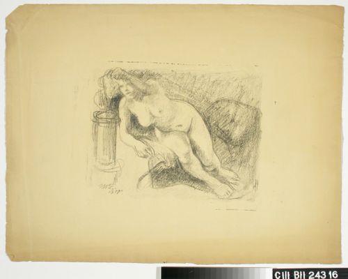Etunojassa istuva naismalli